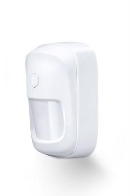 LUPUSEC - PIR Bewegungsmelder V2        Einfache Montage     Funk-Bewegungsmelder für die LUPUSEC Smarthome Alarmanlage  Perfekte Sicherung Ihrer Innenräume. Mit dem neuen PIR Bewegungsmelder V2 sichern Sie Ihre Innenräume. Der hochwertig gestaltete Bewegungssensor lässt sich mit nur einem Klick in Ihre LUPUS XT Zentrale anlernen. Ist der Melder aktiv, registriert er jede Bewegung innerhalb von Millisekunden. So ist man stets informiert und im Notfall alarmiert. So können Sie die Innenräume Ihres Zuhauses, Ladengeschäftes oder Bürogebäudes absichern. Und durch das neue, hochwertige LUPUS Design passt sich der Melde perfekt in Ihre Raumgestaltung ein. Einfach, schön und sicher. Das ist der neue Bewegungsmelder V2 von LUPUS.  Korrekt montiert, in einer Höhe von 1,8 – 2 Metern, nimmt er auf maximal 12 Metern und in einem Winkel von 110° Objekte wahr.  Richten Sie dabei den Melder nicht auf Wärmequellen wie Heizungen oder Fensterfronten / Wintergarten. Verwenden Sie hierfür nur unseren Dualway-Bewegungsmelder (ArtNr. 12034).  Der PIR Bewegungsmelder V2 ist wie alle Sensoren ebenfalls batteriebetrieben, verfügt über eine Sabotageerkennung an der Hinterseite und wird per Funk an die Alarmanlage angebunden. Daher kann er einfach an jeder Wand oder Decke Ihrer Wahl geklebt oder geschraubt werden. Eine Eckhalterung sowie Befestigungsmaterial sind im Lieferumfang inbegriffen. Kabel zur Signalübertragung oder eine Stromversorgung per Netzteil sind NICHT notwendig. Einfach den Bewegungsmelder über die Zentrale mit dem Alarmsystem verbinden und einrichten.     Immer Informiert - das Web Interface der XT2 Plus   Schnell integriert - einfach automatisiert.  Einmal in das System integriert, meldet der Funk-Bewegungsmelder jede Änderung des Zustands an die Zentrale.  Dies beinhaltet eine Statusmeldung bei schwacher Batterie, bei Auslösen des an der Hinterseite befindlichen Sabotagekontakts sowie beim Erkennen von Bewegungen. Letzteres können Sie für zahlreiche Automatisierungen verw