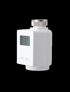 LUPUSEC - Heizkörperthermostat V2      LUPUS Heizkörperthermostat V2: einfach intelligent heizen!   Steigern Sie den Wohnkomfort bei sinkenden Kosten: mit dem LUPUS Heizkörperthermostat V2.  Das LUPUS Heizkörperthermostat ermöglicht die intelligente Steuerung Ihrer Heizung über die LUPUS Alarm Zentrale. Mit Hilfe von einfach zu erstellenden Zeitplänen regulieren Sie die Raumtemperatur und passen so die Heizphasen Ihren individuellen Bedürfnissen an.  Dabei ist das Heizkörperthermostat im Handumdrehen installiert: einfach den alten Heizungsregler abschrauben, das neue LUPUS Heizkörperthermostat V2 anschrauben und die mitgelieferten Batterien einsetzen. Wie gewohnt wird das Heizkörperthermostat mit einem Tastendruck an die Zentrale angelernt und Sie können mit der Programmierung beginnen.  Individuelle Zeitpläne ermöglichen es Ihnen nur dann zu heizen wenn wirklich Bedarf besteht. Das Heizkörperthermostat erkennt sobald ein Fenster geöffnet ist oder geschlossen wird. Und sollten Sie in den Urlaub gefahren sein ohne zuvor Ihre Heizungen runtergeregelt zu haben? Kein Problem - alle Einstellungen können auch von der Ferne verändert werden. Hierzu können Sie unsere iOS / Android APP oder die Webseite der Zentrale verwenden.     Heizen wenn wirklich Bedarf besteht   Schnell integriert - einfach automatisiert!  Wärme und Gemütlichkeit, wenn Sie zu Hause sind. Energiesparend heruntergeregelt, wenn keiner da ist.  Regeln Sie die Raumtemperatur nach Ihren Bedürfnissen. Hierzu können Sie für jeden Tag einen Zeitplan erstellen und diesen unter einem Profil ablegen. So können Sie auch wenn Sie bereits vereist sind, jederzeit das entsprechende Profil aktivieren und kommen so auch dann in ein angenehm temperiertes Haus wenn Sie einmal früher aus dem Urlaub zurückkommen sollt